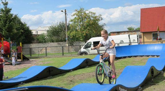Ein mobiler Fahrradweg aus Modulen - Boleszkowice (PL)